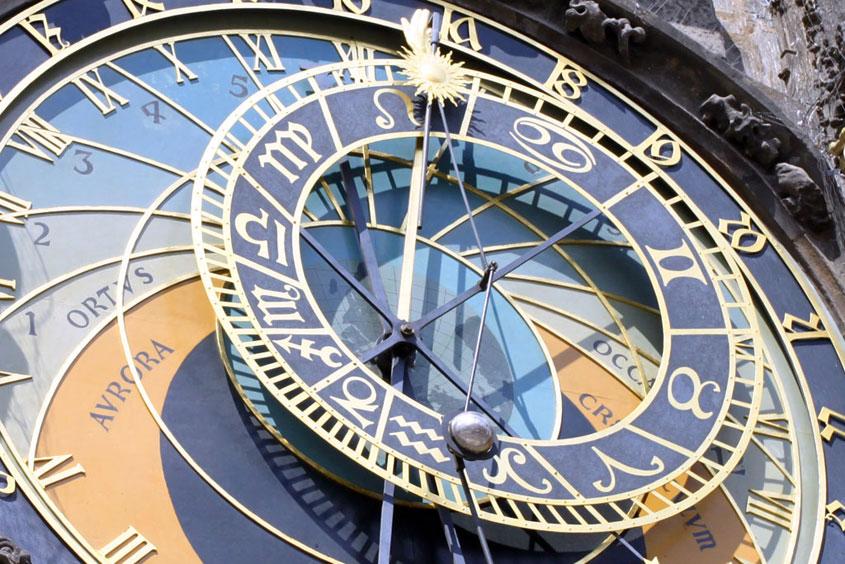 Пражские астрономические часы, орлой на Староместской площади в Праге